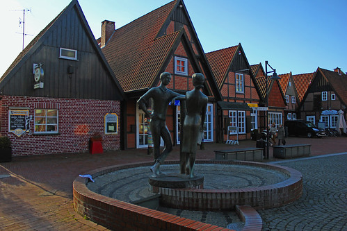 "In Soltau 2015 • <a style=""font-size:0.8em;"" href=""http://www.flickr.com/photos/69570948@N04/16115229828/"" target=""_blank"">View on Flickr</a>"