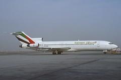 Emirates Boeing 727-264; A6-EMB, April 1992 (Aero Icarus) Tags: plane aircraft emirates flugzeug avion slidescan trijet boeing727 a6emb