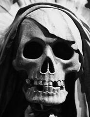 the death (heiko.moser (+ 12.100.000 views )) Tags: wien bw friedhof cemetery canon death skull blackwhite scary noiretblanc skulptur nb horror sw grab schwarzweiss tod nero figur totenkopf schädel skulpturen gruft thedeath heikomoser