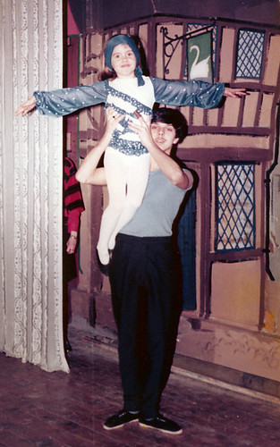 1978 Dick Whittington 08 (Iain Thompson holding Lisa Young)