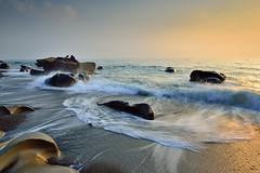 Dancing wave  (Vincent_Ting) Tags: light sunset sea sky seascape beach water clouds coast rocks waves taiwan   milky  silky crepuscularrays          vincentting