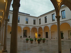 Claustro del antiguo convento de Santo Domingo, en Ronda. (lumog37) Tags: architecture arquitectura cloisters claustros