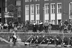Dragon Boat Festival 2016, Apeldoorn (RW-V) Tags: bw monochrome canal noiretblanc nederland thenetherlands nb rowing sw dragonboat paysbas apeldoorn niederlande zw gelderland 100faves 80faves 120faves drakenbootfestival canoneos60d canonef100mmf28lmacroisusm apeldoorncanal apeldoornschkanaal