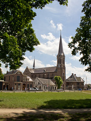 Den Hout - Corneliuskerk (grotevriendelijkereus) Tags: holland tower church netherlands town village toren den nederland neogothic kerk brabant hout dorp noord neogotiek plaats
