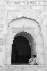 Waiting (Ali Chatai | Photo.blog) Tags: door pakistan people architecture photography fort ali derawar chatai alichatai