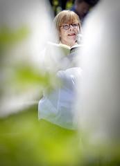 Jane Leusink op het theeveld