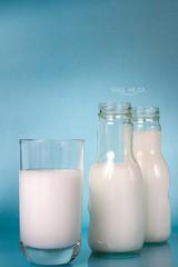 _MG_8206-Editar (raulmejia320) Tags: aprobado producto leche ron agua hielo azul green verde blue glass milk
