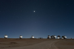 Venus shining (ansack) Tags: moon antenna venus astronomy astrophotography nikon d600 50mm chile atacamadesert desierto night