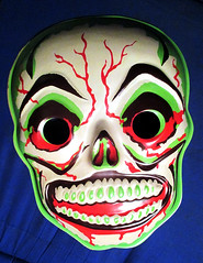 Green Grinning Skull Mask 6314 (Brechtbug) Tags: green grinning skull mask halloween semi vintage with regular sized uncle sam box ben cooper collegeville halco ghoulsville retro newspaper sunday funnies comics holiday costume comic strip book comicbook spy movie film cinema americana america freedom justice super hero spooky jumbo size