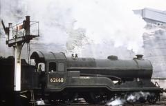 "LNER D11 62668 ""Jutland"" 4-4-0 at Nottingham Victoria (Feb 59) (bexxy321) Tags: gcr feb 1959 director d11 lner nottingham"
