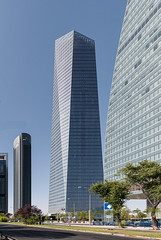 Cuatro Torres Business Area, Madrid (jacqueline.poggi) Tags: cuatrotorres cuatrotorresbusinessarea espagne españa madrid spain architect architecte architecture architecturecontemporaine arquitectura contemporaryarchitecture