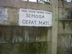 Jl.H Ismail.Tanah Kusir (juha.jumadi) Tags: jakarta sampah