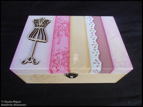 """Caixa de maquilhagem e de bijuteria """"Pink Paris Doll"""""""