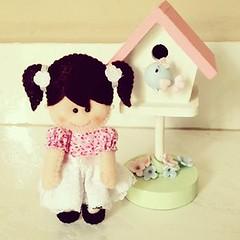 Boneca (Fbrica de Artes by lubieska) Tags: cortina feltro boneca menina decorao pingente pendente bonequinha