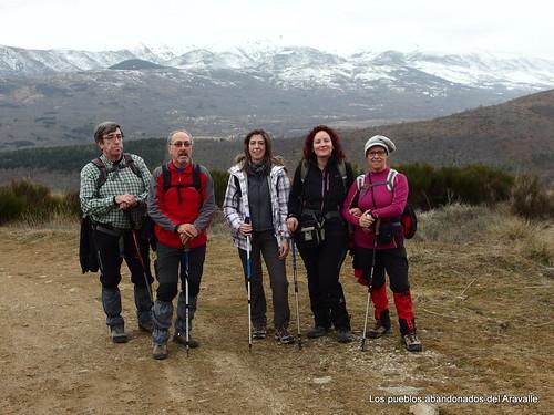 MARCHA-371-los-pueblos-abandonados-valle-de-aravalle-avila-senderismo (10)