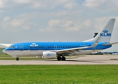 PH-BGX (AnDrEwMHoLdEn) Tags: manchester airport klm 737 manchesterairport egcc 23l