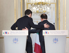 Renzi a Parigi per il Vertice italo-francese (Palazzochigi) Tags: italia francia firma parigi vertice accordi franoishollande governoitaliano matteorenzi