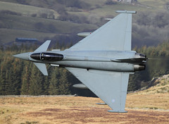 Eurofighter Typhoon FGR4 ZK330 FT 0121 (cwoodend..........Thanks) Tags: wales eurofighter ft typhoon raf lowlevel 2015 machloop lowfly eurofightertyphoon 1sqn inexplore lfa7 fgr4 bwlchexit rafconningsby zk330 aviationaceimages eurofightertyphoonfgr4zk307 eurofightertyphoonfgr4zk330ft
