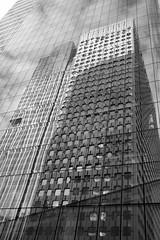 Paris - La Défense (suebr) Tags: urbain urban immeubles fujifilmxseries fujifilmx xf23mm xe2s fujifilm monochrome noiretblanc architecture ville vitres fenêtres façade bâtiments blackandwhite glass reflections city facade building france ladefense paris