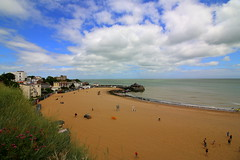 Broadstairs (Crisp-13) Tags: sea sky beach clouds coast kent sand broadstairs
