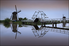 Kinderdijk (jeanny mueller) Tags: holland niederlande netherlands mhle windmhle moulin mill bridge sunrise nature natur landscape water gracht kanal