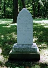 Lincoln Boyhood National Memoria (Stabbur's Master) Tags: tombstone headstones indiana graves logcabin abrahamlincoln nationalmonument gravemarker lincolnboyhoodnationalmemorial nancylincoln nancyhankslincoln milksickness lincolncityin