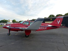 N55UK Baron Fairoaks (ZD703) Tags: n55uk beechcraft beechbaron beechcraft55baron fairoaks gflak