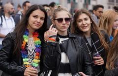 BXL Pride (e) Tags: ladies girls brussels rainbow women belgium gorgeous bruxelles pride portraiture gals brussel mdchen meisjes glimlach bxl belgianpride