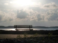 Solitude (Amiela40) Tags: light cloud sun river soleil solitude lumire beaut nuage quai banc fleuve