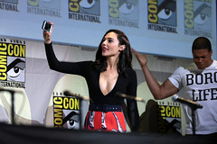 Gal Gadot (Gage Skidmore) Tags: zack snyder ben affleck henry cavill gal gadot ray fisher ezra miller jason momoa justice league film san diego comic con international california convention center