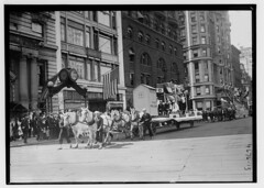 July 4th (LOC) (The Library of Congress) Tags: libraryofcongress dc:identifier=httphdllocgovlocpnpggbain27399 xmlns:dc=httppurlorgdcelements11 loyaltyparade 1918 newyork 5thavenue savoy hotel