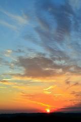 Sonnenaufgang D5100 (eagle1effi) Tags: sunrise sonnenaufgang nikond5100dslr d5100 sun polarizingfilter polfilter nikon highendphoto damncool fixedstand osten tübingen nordstadttübingen waldhäuserost ae1fave aperturepriorityae f16 50mmlens nikonafsnikkor50mm118g ostalb eagle1effi spiegelreflex digital dslr medium midrange camera