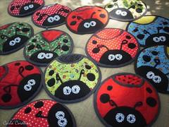 joaninha - pegador de panelas (Carla Cordeiro) Tags: fuxico ladybug feltro patchwork joaninha ♥ potholder viés pegadordepanela