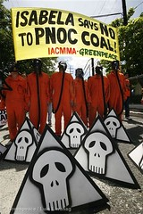 GP0NWN (RiotBKK) Tags: energy philippines coal banners taguig gasmasks petitions greenpeaceactivists climatecampaigntitle directcommunications accessblockadeactions maskscostume philippinenationaloilcompanypnoc
