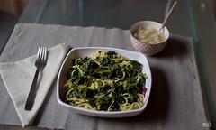 Febrero de coles: pasta con coliinabo (mariaDuB) Tags: kitchen alone cook pasta eat cabbage col
