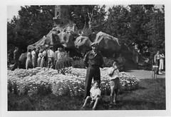Theme park De Efteling in Kaatsheuvel in the Netherlands around 1954 (Karin Riper) Tags: park netherlands fairytale fifties tales nederland fairy theme karin past wit tale themepark attraction fairytales kaatsheuvel pretpark attractionpark riper karinriper