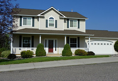residence-475884_1920