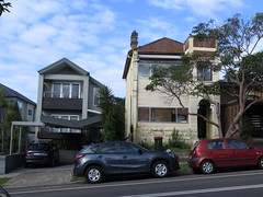 "Rue de Sydney <a style=""margin-left:10px; font-size:0.8em;"" href=""http://www.flickr.com/photos/83080376@N03/16514997552/"" target=""_blank"">@flickr</a>"