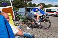 European Cycling Tour Assen 2016 (lubberdink-fotografie.nl) Tags: buiten sport wielrennen proloog park voorbereiden warmrijden renner fiets vrouuw stoel man bus straat natuur lucht wolken assen drenthe jeugd tour jeugdtourassen ejctassen ejct