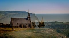 Surimpression. (musette thierry) Tags: etretat nikon d600 bleu paysage landscape eau mer sea plage eglise church cliff falaise surimpression musette thierry france europe vue view