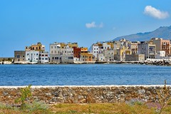 Trapani / From Villino Nasi (Pantchoa) Tags: trapani italie sicile port villinonasi mer btiments faades mur mditerrane nikon d7100 1685mm rivage cte