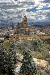 Flamboyant Gothic Cathedral of Segovia, Castile and Leon, Spain, built between 1525-1575 by Gil de Hontaon (mike catalonian) Tags: gildehontaon 1575 1525 xvicentury spain castileandleon segovia cathedral gothic flamboyant