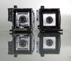 Crown & Speed Graphics (orzalana69) Tags: side by comparison crown speed graphic press camera left is bigger size but lot heavier more versatile functions for with its focal plane shutter