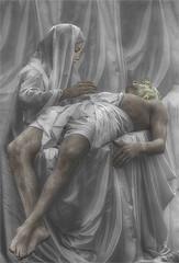 La Piedad / The Piety. 12/2016. (Sigenza) Tags: art arte blancoynegro blackandwhite bn creativas creatives composicin catchingpeople coloracinselectiva desigenza d90 encuadre fantasy fantasa gente interesante interesting nikond90 nikon people portraits perspectiva photographinpeople primerplano perspective retratos setting scenery streetpeople texture textura urban esculturahumana