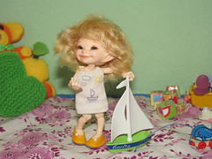 IMG_4251 (cat-soft paws) Tags: flowers  smile laughter  suitcase  people dress  indoor      realpuki clothes shoes trousers handmade manual work handwork  fashion owner summer sail  crayons figure  green sea