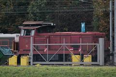 SBB Diesellokomotive Bm 4/4 18412 mit blauem Kamin und weissem Mond ( Hersteller SLM - SAAS Nr. 4459 - Inbetriebnahme 1964 - Rangierlokomotive Lokomotive ) am Auhafen Muttenz am R.hein - H.ochrhein in Muttenz im Kanton Basel Landschaft der Schweiz (chrchr_75) Tags: albumzzz201610oktober christoph hurni chriguhurni chrchr75 chriguhurnibluemailch oktober 2016 albumhafenauhafenmuttenz hafen auhafen muttenz schweizerischen schweizerischer rheinhfen birsfelder hafenanlagen kanton basel landschaft kantonbasellandschaft schweiz suisse switzerland svizzera suissa swiss bahn eisenbahn schweizer bahnen zug train treno albumbahnenderschweiz2016712 albumbahnenderschweiz albumsbbdiesellokomotivebm44 diesellokomotive lokomotive sbb cff ffs bm 44