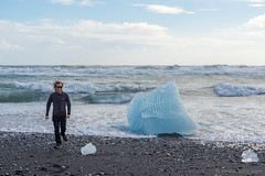 Cdric @ Jkulsrln - Glacier Lagoon (Photocedric) Tags: iceland sand ocean water black beach islande sea glacier ice is