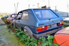 volkswagen Golf LX (riccardo nassisi) Tags: auto abbandonata abandoned rust rusty relitto rottame ruggine ruins rottami scrap scrapyard epave piacenza pc fiat officina decay urbex