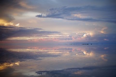 Salar de Uyuni (r y o m a) Tags: latinoamerica nature naturaleza landscape paisaje uyuni bolivia salar reflect sky ウユニ ボリビア 雨季 反射 塩湖 南米