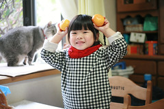 Micky Zorie (Zorie Huang) Tags: trip morning family light portrait baby cute girl smile japan tangerine canon asian kid child innocent taiwan mickey 5d lovely fukuoka taiwanese threeyearold zorie